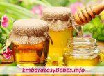 """¿Pueden Las Mujeres Comer Miel en el Embarazo? """"Pros y Contras"""""""