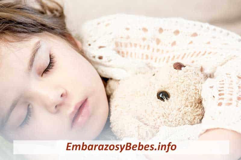 cuanto debe dormir un niño